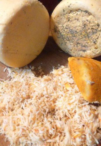 ser z kurkumą i ziołami, ser napodpuszcze dojrzewający